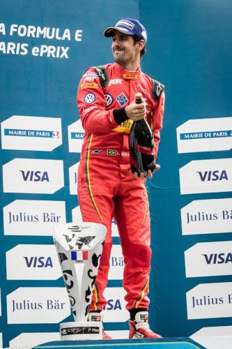 Lucas_Di_Grassi_celebrating_his_victory_Formula_E_Paris.jpg