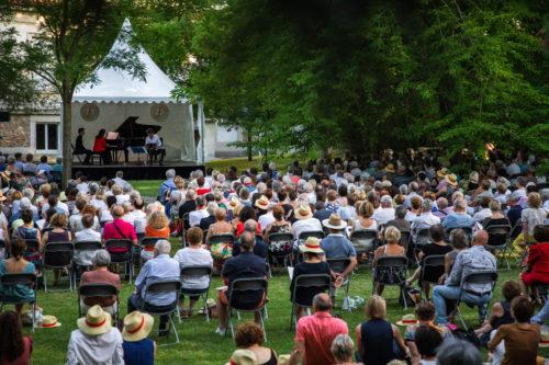 Plus de 400 personnes ont assiste au concert dans le parc Mumm